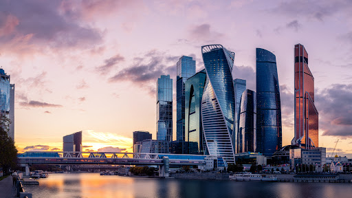 Обзорные экскурсии по Москве и пригородам